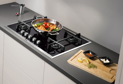 How to clean different types of oven hobs - oven cleaning tips